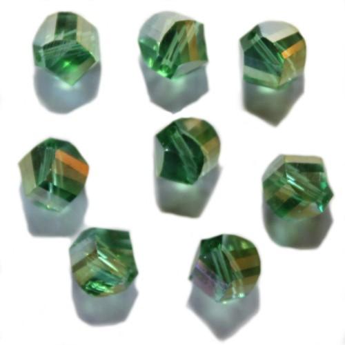 Kristall Glasperle mehrkantig grün 10mm 8 Stk.