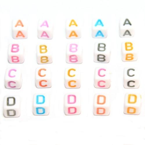 Buchstaben Würfel Acryl weiß mit bunten Buchstaben 6x6mm Großloch 6x26=156Stk.